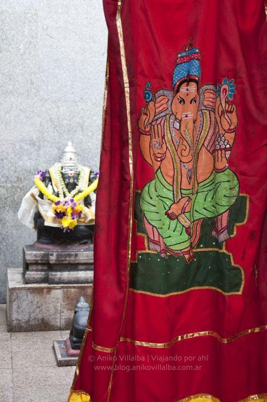 27-dios-hindu-dentro-del-templo