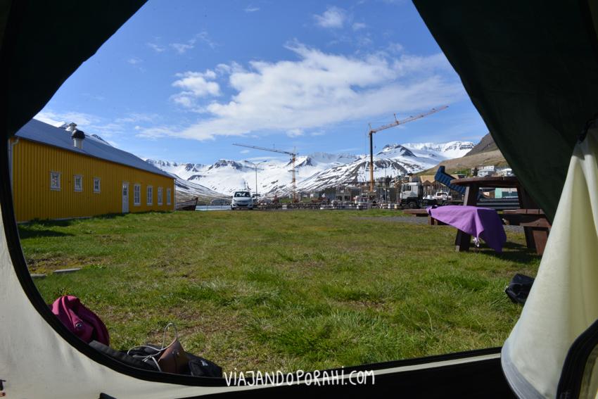 Las bondades de acampar y despertarte con esta vista