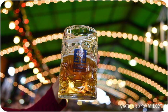 En el Oktoberfest, un vaso con un litro de cerveza costaba €10