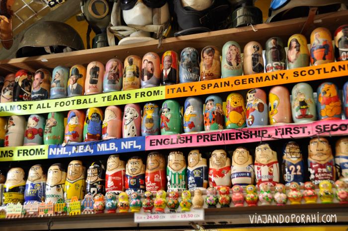 Si compran souvenirs, van a encontrar desde postales por €1 hasta lo que se les ocurra