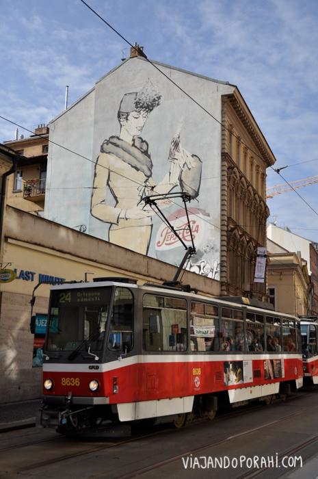 Varias ciudades tienen tranvía (como Praga)