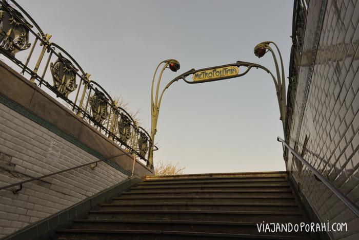 La salida del metro en París