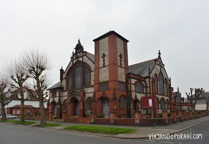 Y la iglesia