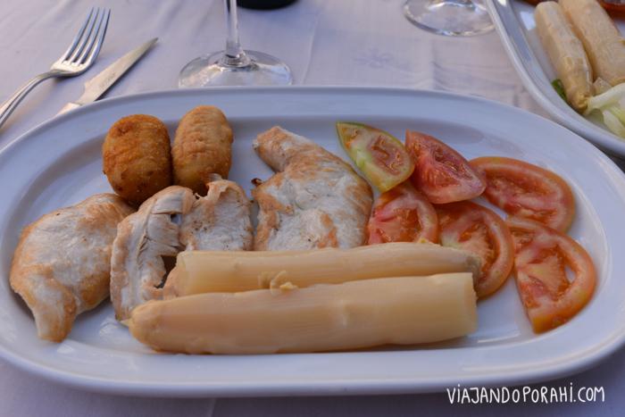 Adivinanza: ¿Cómo saber que estás en España? Por la cantidad de comida que te ponen en el plato! :D