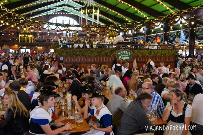 Un patio cervecero