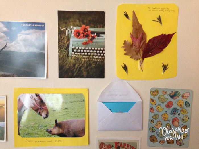 Estoy rodeada de las cosas lindas que me están mandando por correo.