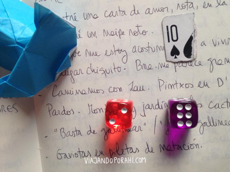 Un fragmento de mi cuaderno y mi primer origami de gato (fue de lo más difícil que hice en mi vida y ni lo pude terminar)