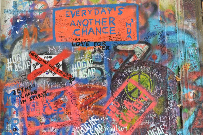 Mensajes en el Muro de John Lennon, Praga