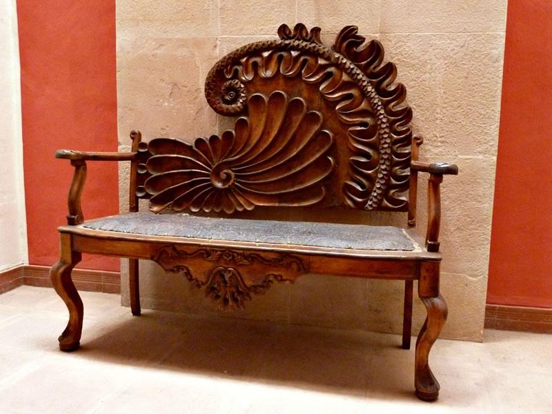Spito, el amigo de Tony, te había tallado una silla —un trono, diría yo— para tu cumple. Estaba enamorado de vos.