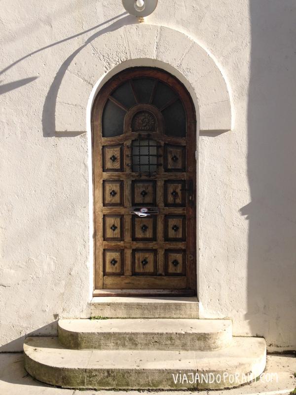 La puerta interesante