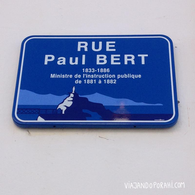 Algo azul #2: una calle