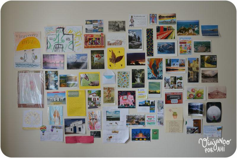 Las postales frente a mi escritorio.