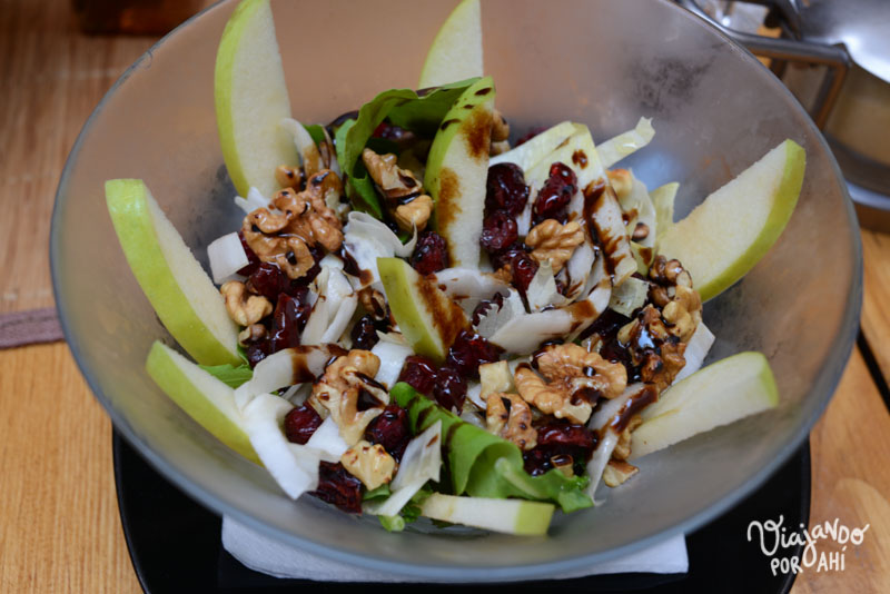 Esta ensalada que me encantó: manzana verde, nueces,