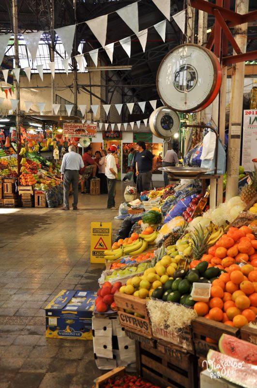 Además de las parrillas, de Buenos Aires me gustan los mercados y las verdulerías (esta foto es del mercado de San Telmo)
