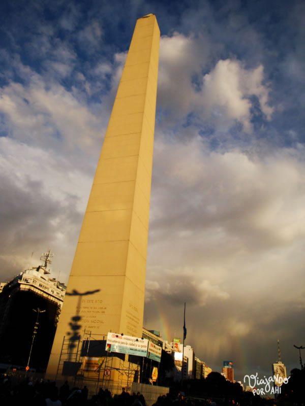 El Obelisco con dos arco iris