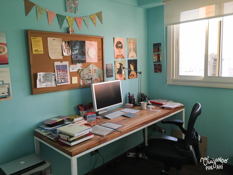 Mi cuartito azul, mi espacio de trabajo, mi refugio, mi lugar en el mundo.