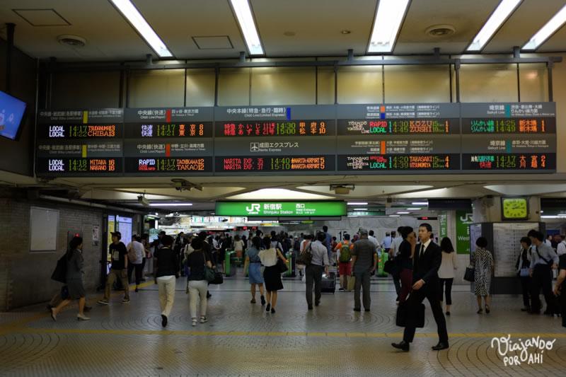 Todo está muy bien indicado. Pero como en el resto de Tokio, la sobredosis de información me termina mareando.