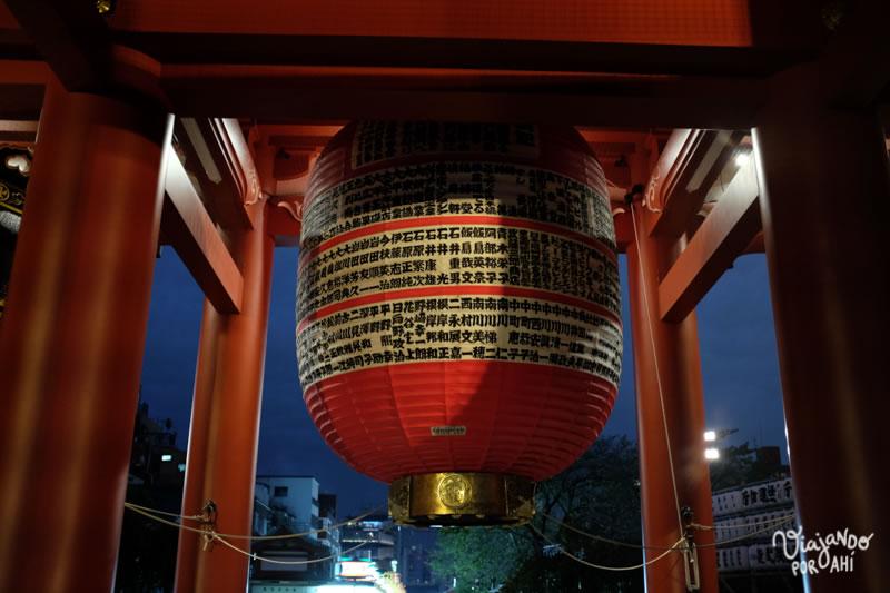 En uno de los templos de Asakusa